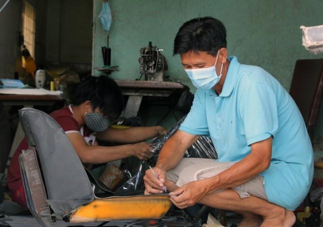 Người Sài Gòn khốn khổ vì con đường bụi mịt mù - ảnh 7