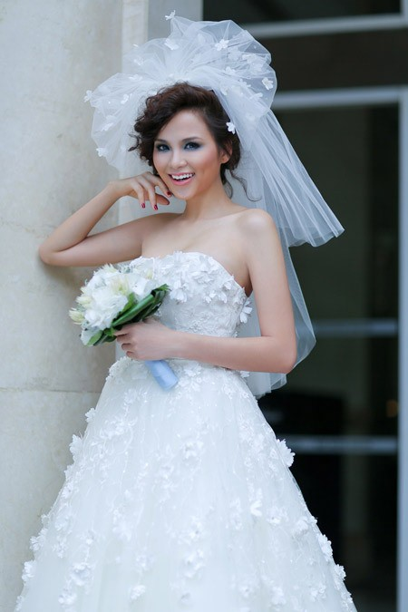 Hoa hậu Diễm Hương bị phanh phui có chồng đại gia 40 tuổi - anh 2