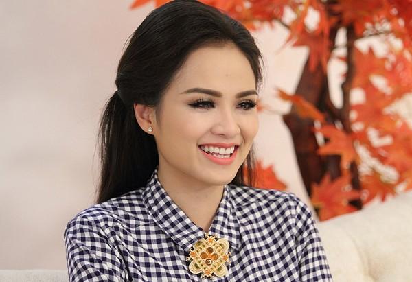Miss Universe 2012 phanh phui chuyện Diễm Hương đã lấy chồng - anh 2