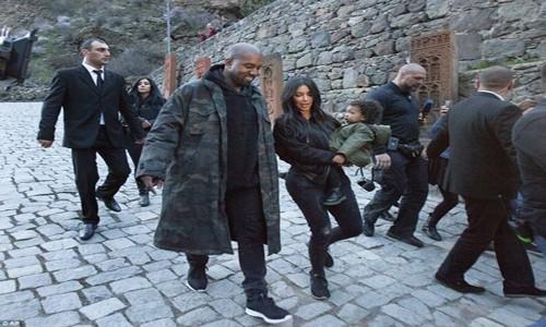 """Khám phá nơi Kim """"siêu vòng 3"""" đang du lịch - anh 1"""
