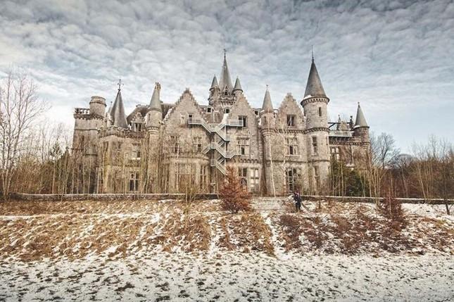 Ngất ngây với những lâu đài còn sót lại trên thế giới - anh 9