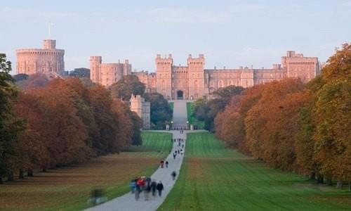 Ngất ngây với những lâu đài còn sót lại trên thế giới - anh 8