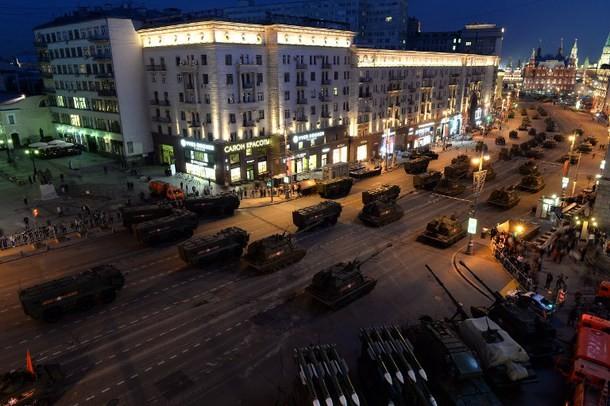 Đường phố Nga ngập tràn sắc đỏ kỷ niệm ngày chiến thắng phát xít - anh 3