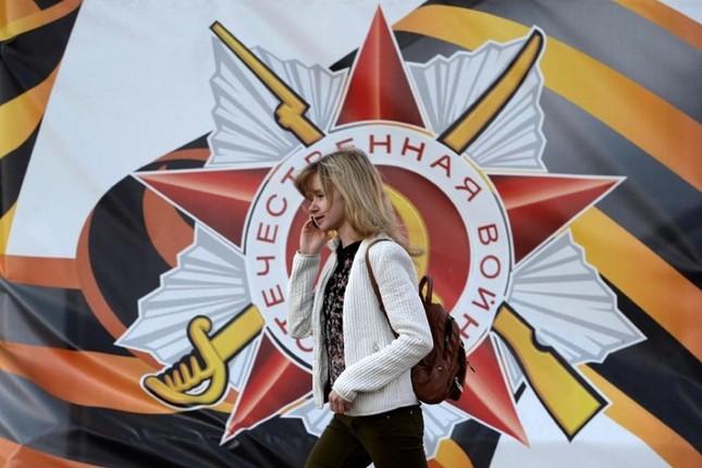 Đường phố Nga ngập tràn sắc đỏ kỷ niệm ngày chiến thắng phát xít - anh 6