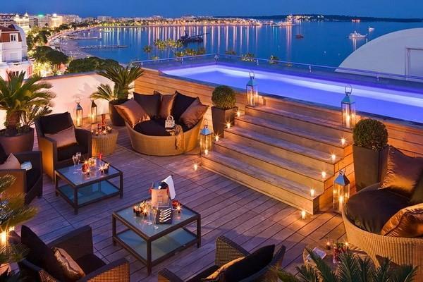 Soi chỗ ăn ở lộng lẫy của các ngôi sao đến dự LHP Cannes - anh 8
