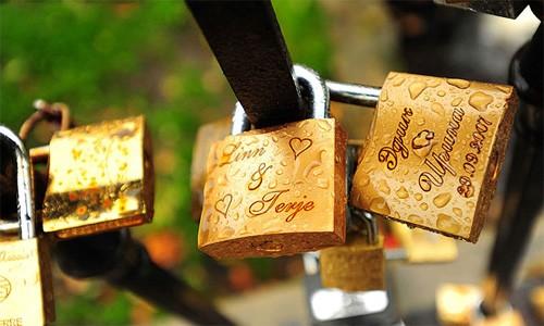 Thành phố Melbourne dỡ bỏ 20.000 ổ khóa tình yêu - anh 2