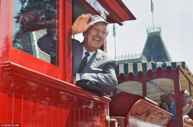 Disneyland tung những hình ảnh hiếm hoi vào dịp sinh nhật 60 năm - anh 12