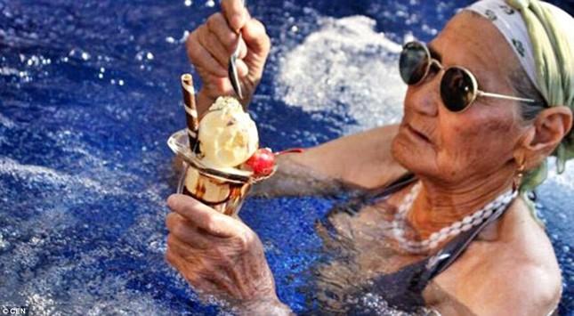 Cụ bà 80 tuổi ngao du khắp thế giới - anh 2