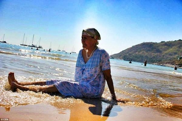 Cụ bà 80 tuổi ngao du khắp thế giới - anh 4