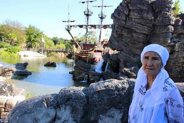Cụ bà 80 tuổi ngao du khắp thế giới - anh 3