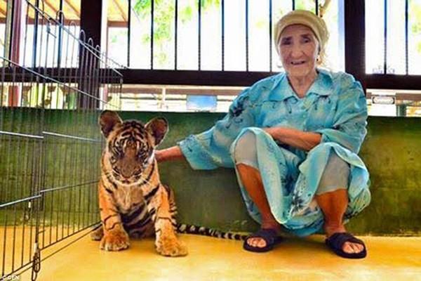 Cụ bà 80 tuổi ngao du khắp thế giới - anh 8