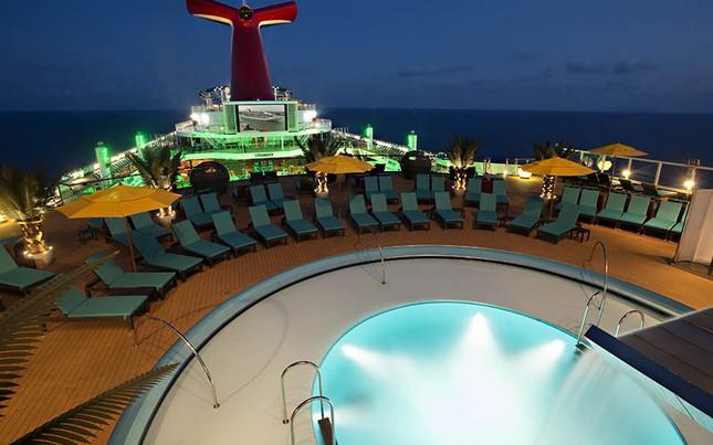 Bể bơi tuyệt đẹp trên tàu du lịch hạng sang - anh 7