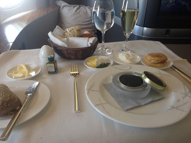 Những bữa ăn hạng thương gia của các hãng hàng không trên thế giới - anh 2