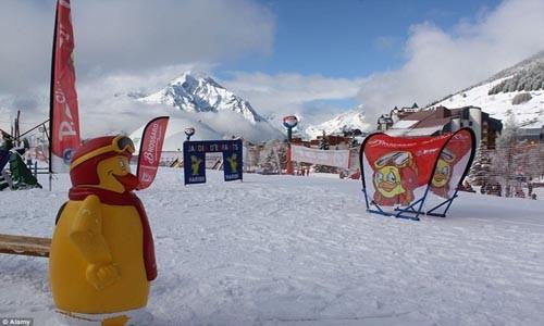 Điểm danh những địa điểm trượt tuyết mùa hè hấp dẫn - anh 7