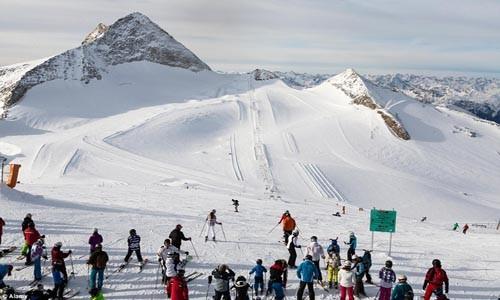Điểm danh những địa điểm trượt tuyết mùa hè hấp dẫn - anh 1