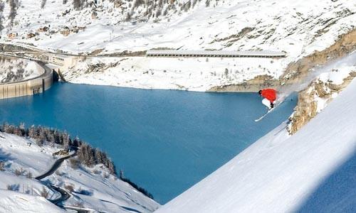 Điểm danh những địa điểm trượt tuyết mùa hè hấp dẫn - anh 3