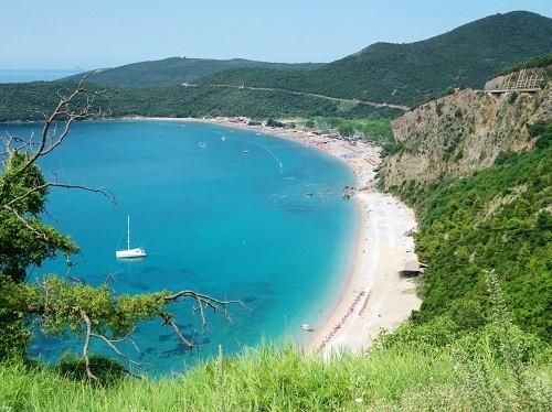 Những bãi biển quyến rũ nhất châu Âu - anh 1