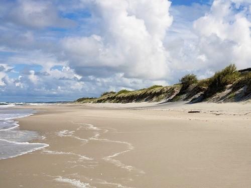 Những bãi biển quyến rũ nhất châu Âu - anh 9