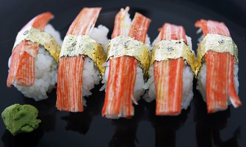 Đã mắt ngắm những món ăn sang chảnh bằng vàng thật trên thế giới - anh 11