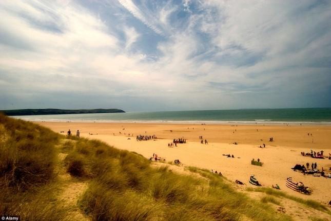Top những bãi biển thanh vắng tuyệt đẹp ở nước Anh - anh 4