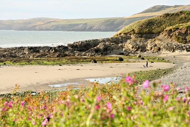 Top những bãi biển thanh vắng tuyệt đẹp ở nước Anh - anh 8