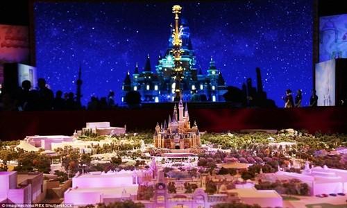 Hé lộ những hình ảnh đầu tiên của Disneyland ở Thượng Hải - anh 14
