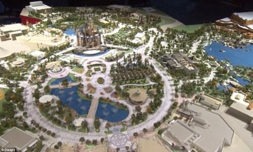 Hé lộ những hình ảnh đầu tiên của Disneyland ở Thượng Hải - anh 2