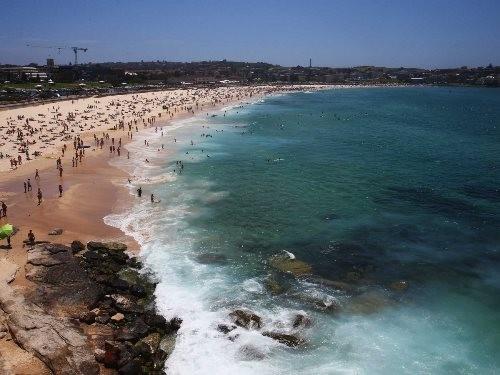 Những bãi biển lướt sóng lý tưởng nhất hành tinh - anh 1