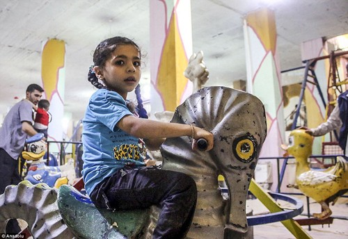 Ghé thăm thế giới vui chơi ngầm ở Syria - anh 14