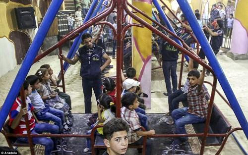 Ghé thăm thế giới vui chơi ngầm ở Syria - anh 2