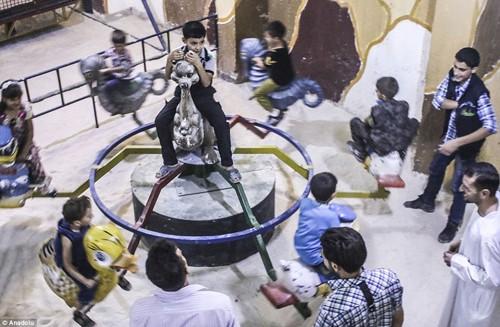 Ghé thăm thế giới vui chơi ngầm ở Syria - anh 7