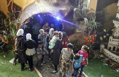 Ghé thăm thế giới vui chơi ngầm ở Syria - anh 11