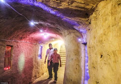 Ghé thăm thế giới vui chơi ngầm ở Syria - anh 12