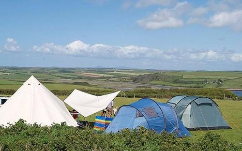Những địa điểm cắm trại ven biển tuyệt mỹ nhất nước Anh - anh 4
