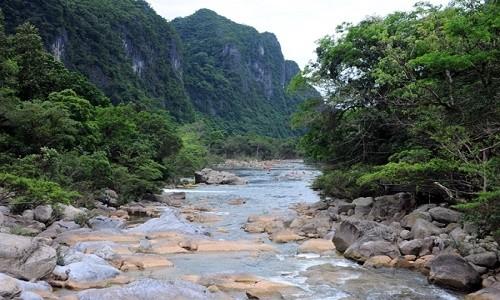 Suối Moọc - bản tình ca đẹp lung linh ở Quảng Bình - anh 1