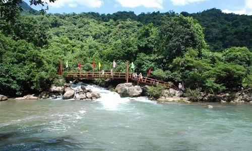 Suối Moọc - bản tình ca đẹp lung linh ở Quảng Bình - anh 2