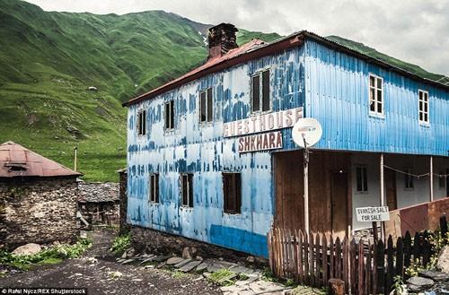 Cận cảnh cuộc sống của ngôi làng trong những đám mây - anh 11