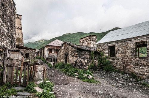 Cận cảnh cuộc sống của ngôi làng trong những đám mây - anh 3