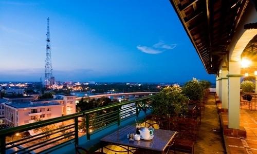 Điểm danh những quán cà phê trên cao tuyệt đẹp - anh 4