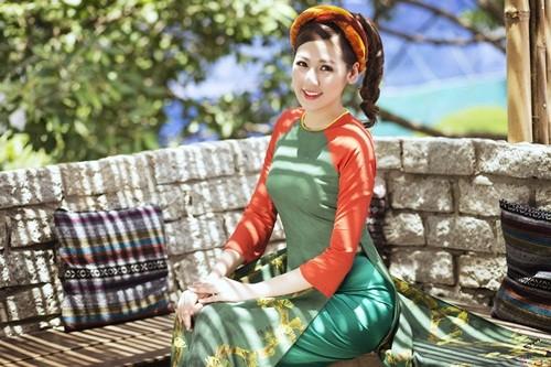 Á hậu Dương Tú Anh đẹp như cô tấm trong tà áo dài - anh 11