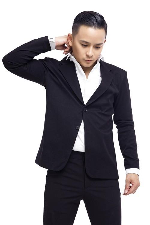 Justin Nguyễn thanh lịch, trẻ trung với trang phục vest - anh 7