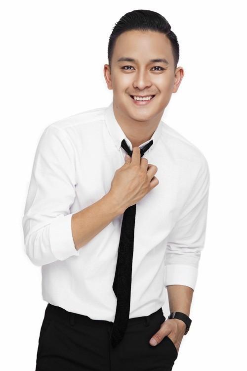 Justin Nguyễn thanh lịch, trẻ trung với trang phục vest - anh 11