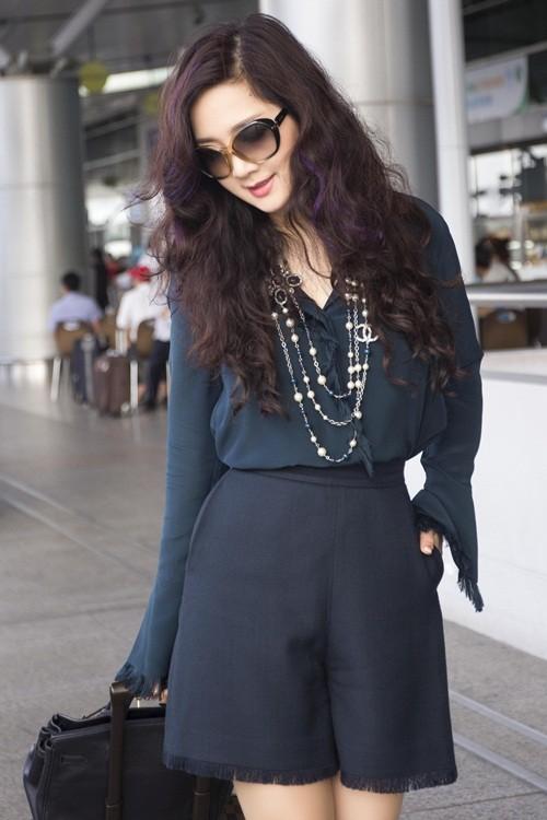 Hoa hậu Giáng My sành điệu khoe chân thon trắng muốt tại sân bay - anh 10