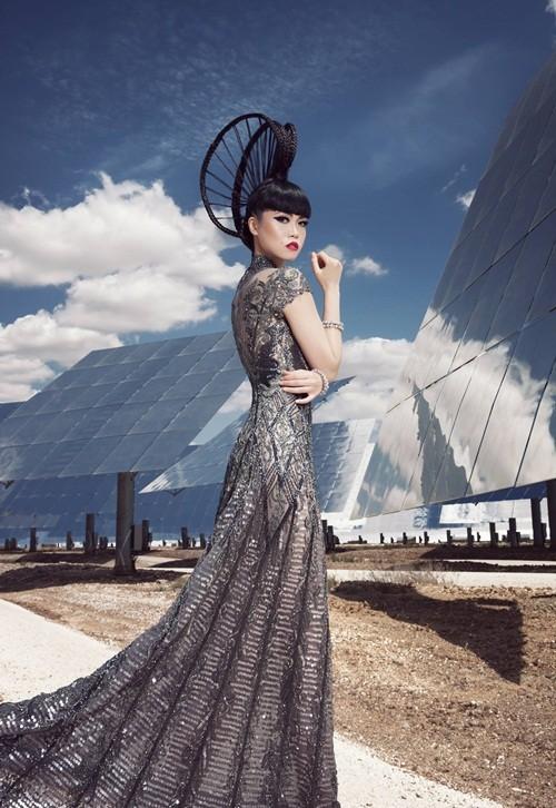 Show thời trang đầu tiên trong lịch sử diễn ra tại nhà máy năng lượng mặt trời lớn nhất thế giới - anh 7