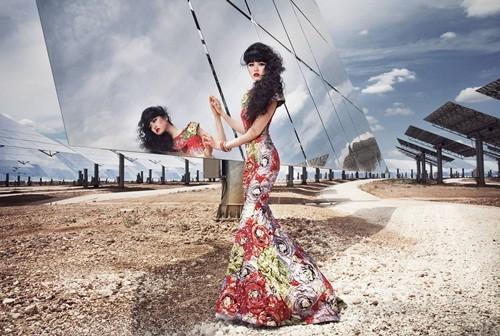 Show thời trang đầu tiên trong lịch sử diễn ra tại nhà máy năng lượng mặt trời lớn nhất thế giới - anh 8