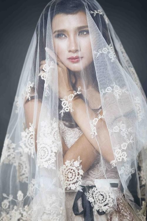 """Kim Tuyến bất ngờ hóa cô dâu đầy """"ma mị"""" trước khi lên đường sang Châu Âu - anh 3"""