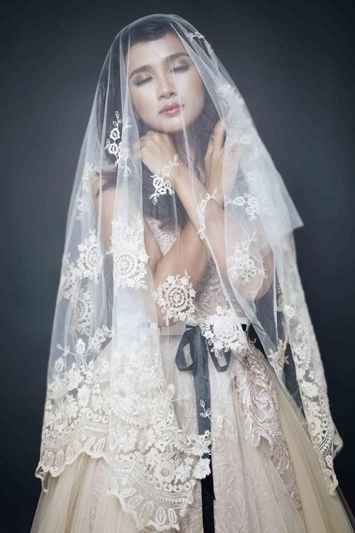 """Kim Tuyến bất ngờ hóa cô dâu đầy """"ma mị"""" trước khi lên đường sang Châu Âu - anh 4"""