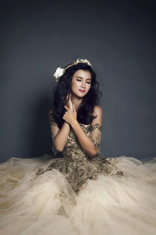 """Kim Tuyến bất ngờ hóa cô dâu đầy """"ma mị"""" trước khi lên đường sang Châu Âu - anh 9"""
