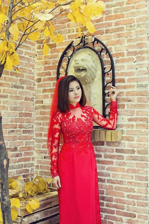 Vân Trang hóa thân làm cô dâu dịu dàng trong tà áo dài của NTK Huỳnh Lợi - anh 5