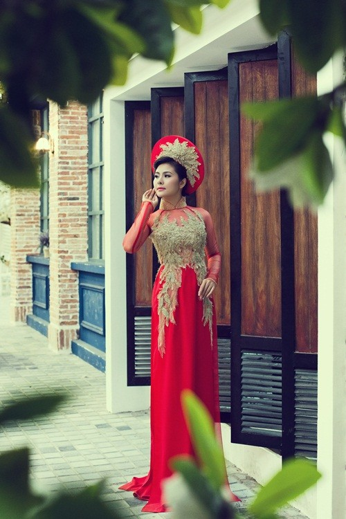 Vân Trang hóa thân làm cô dâu dịu dàng trong tà áo dài của NTK Huỳnh Lợi - anh 8